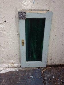 tinny door