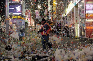 Headline: Clean up after New Year's Eve in Times Square